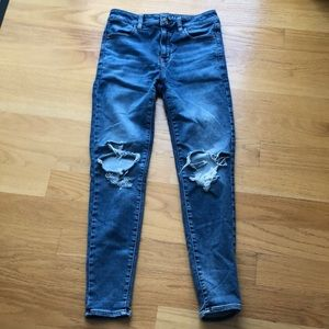 American eagle high rise jegging size 8 rips